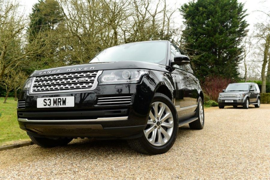 New Model Range Rover Vogue SE 2013 in black